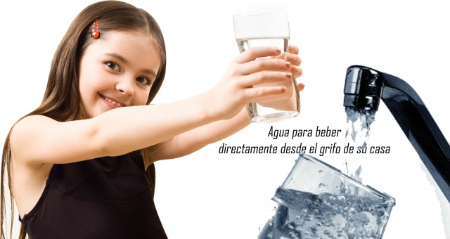 nia_agua_para_hogar_desde_el_grifo_640